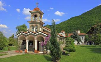 Екскурзия до Врачешкия манастир, Пещера Проходна и град Правец
